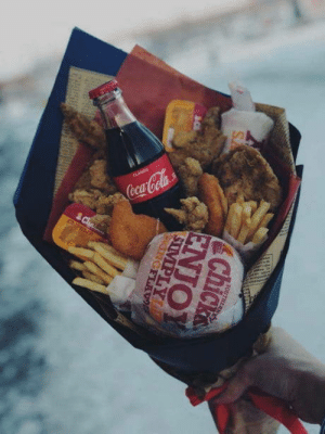 This bouquet is for my girlfriend!: This bouquet is for my girlfriend!