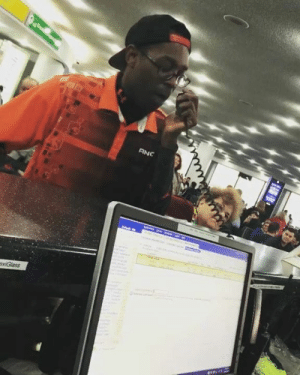 This dude is Beatboxing at the Airport?! Call me Old School... but I LOVE THIS!! Verbal Ase: This dude is Beatboxing at the Airport?! Call me Old School... but I LOVE THIS!! Verbal Ase