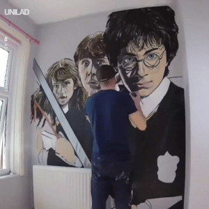 Dank, Harry Potter, and 🤖: This guy created the ultimate bedroom for a Harry Potter superfan! 🧙‍♂️🙌