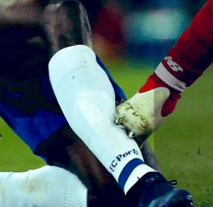 This is what M.Salah did do a FC Porto player.  If it was Ramos, you know many petition would've been flooded on your Timeline.  Double Standards.: This is what M.Salah did do a FC Porto player.  If it was Ramos, you know many petition would've been flooded on your Timeline.  Double Standards.