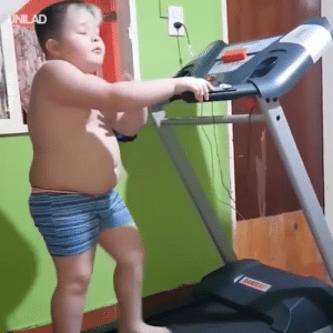 This kid knows how to make a workout more bearable... 😂😂: This kid knows how to make a workout more bearable... 😂😂