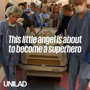 1-year-old Coralynn sadly passed away after being pronounced brain-dead, but became a superhero and saved three lives ❤️️🙌: This little angelis about  to become a superhero  Seciare i  UNILAD 1-year-old Coralynn sadly passed away after being pronounced brain-dead, but became a superhero and saved three lives ❤️️🙌
