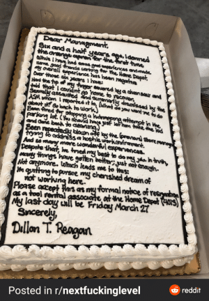 This madlad made this cake for his resignation: This madlad made this cake for his resignation
