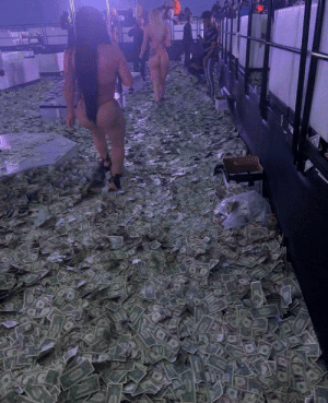 This photo from a Miami strip club during Super Bowl weekend is insane 🤯 https://t.co/KEavJSfouy: This photo from a Miami strip club during Super Bowl weekend is insane 🤯 https://t.co/KEavJSfouy