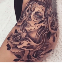 This thigh tattoo is seriously impressive!