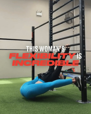 Dank, Rose, and 🤖: THIS WOMAN'S  FLEXI ITY IS  INCHEPESLE This woman takes flexibility to a whole new level 😳😳  Morgan Rose Moroney