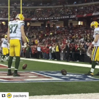 Just a friendly pregame competition between teammates 🙃 (via @packers): ti.  G packers  ATLANTA FALCONS Just a friendly pregame competition between teammates 🙃 (via @packers)