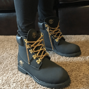 cebolla articulo Cabina  Timberland Shoes | Black Timbs With Gold Chain Shoe Laces | Poshmark |  Shoes Meme on ME.ME