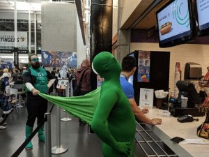 The most creative creative Green Lantern cosplay ever: TINGE S  ice CREAM  HOT DOGS S  x OFFICE  LS ADO  e  OLE The most creative creative Green Lantern cosplay ever