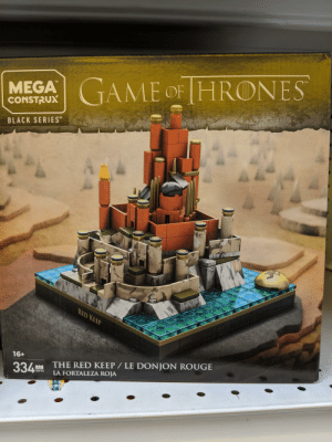 Sadly this thing is more screen accurate than season 8 king's landing: TM  MEGAGAME OF HRONES  CONSTRUX  BLACK SERIES  RED KEEP  16+  THE RED KEEP / LE DONJON ROUGE  LA FORTALEZA ROJA  334  bes  PCS  GNF03 Sadly this thing is more screen accurate than season 8 king's landing