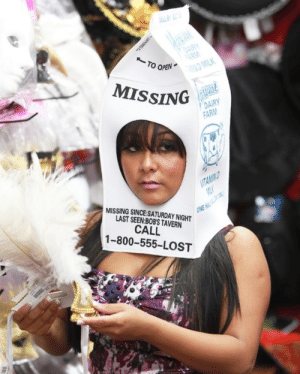 Gone Girl (2014): TO OPEN  MISSING  MISSING SINCE:SATURDAY NIGHT  LAST SEEN:BOBS TAVERN  CALL  1-800-555-LOST Gone Girl (2014)