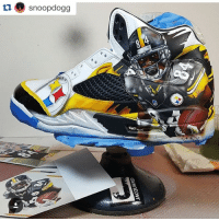 Steelers fan @snoopdogg shows off these custom Antonio Brown Jordan's, who had over 300 yards of offense Sunday. 🔥🔥🔥: tu snoopdogg Steelers fan @snoopdogg shows off these custom Antonio Brown Jordan's, who had over 300 yards of offense Sunday. 🔥🔥🔥