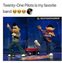 21 Pilots Who? 😂 (DOUBLETAP � TAG THE SQUAD. @Hoodmafia.): Twenty-One Pilots is my favorite  band  IG: BESTHOODHUMOR 21 Pilots Who? 😂 (DOUBLETAP � TAG THE SQUAD. @Hoodmafia.)