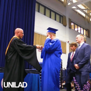 Dank, New York, and School: UNILAD A New York high school held a silent graduation to make the special day easier for one of their classmates who has autism... ❤️