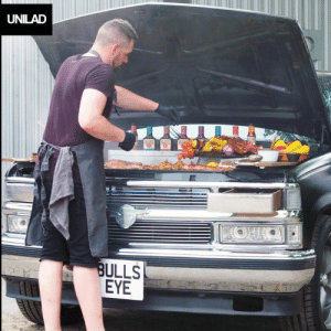 This pimped up truck has been turned into every BBQ lover's dream ride! 👌😍: UNILAD  BULLS  EYE This pimped up truck has been turned into every BBQ lover's dream ride! 👌😍