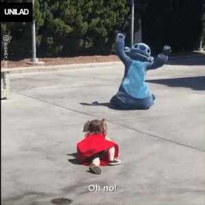 Dank, Disneyland, and Girl: UNILAD  Oh no When this little girl fell over at Disneyland, Stitch came to her rescue 😭❤️️