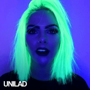 This girl decided to dye her hair with a UV colour and it turned out amazing! 💇😍  Sophie Hannah: UNILAD This girl decided to dye her hair with a UV colour and it turned out amazing! 💇😍  Sophie Hannah