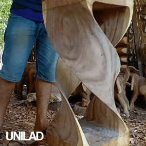This guy crafted a twisted bar stool from wood and it looks incredible! 😱🙌: UNILAD This guy crafted a twisted bar stool from wood and it looks incredible! 😱🙌