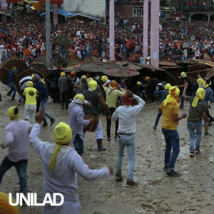 This Indian rock-throwing festival left hundreds of people needing medical attention 😱😱: UNILAD This Indian rock-throwing festival left hundreds of people needing medical attention 😱😱