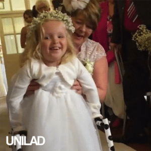 This little girl has never been able to walk before but she is determined to do it on the most special occasion! 👰👧: UNILAD This little girl has never been able to walk before but she is determined to do it on the most special occasion! 👰👧
