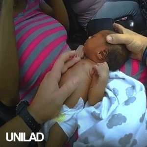 This police officer pulls over a speeding car to find a choking newborn baby...: UNILAD This police officer pulls over a speeding car to find a choking newborn baby...