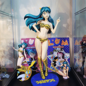 spaceghosting:  Today I obtained the holy grail of Lum figures! She is about 17 inches tall!: URUSEI YATSU  URUSEI YATSURA  SPEC  ISSU  Takahashi  Takahash spaceghosting:  Today I obtained the holy grail of Lum figures! She is about 17 inches tall!
