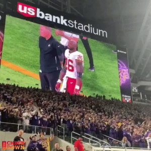 Adrian Peterson gets a standing ovation from Vikings fans after becoming 6th all-time in rushing yards 👏 (via @thecheckdown) https://t.co/EyLadhmj3B: usbankstadium  26  25  Andersen  AW  CHECK  FDOWN Adrian Peterson gets a standing ovation from Vikings fans after becoming 6th all-time in rushing yards 👏 (via @thecheckdown) https://t.co/EyLadhmj3B