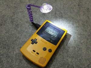 Memes, 🤖, and Gameboy: Using a WormLight to see the screen on your Gameboy