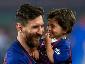 "Lionel Messi:  ""When he (Mateo) misbehaves, I make him stand in the corner of the room and face the wall.  He runs towards it and yells: ""CORNER TAKEN QUICKLY.. ORIGIIII!!!"" https://t.co/ZRWslwzwRF: (UZ  eko Lionel Messi:  ""When he (Mateo) misbehaves, I make him stand in the corner of the room and face the wall.  He runs towards it and yells: ""CORNER TAKEN QUICKLY.. ORIGIIII!!!"" https://t.co/ZRWslwzwRF"