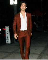 Memes, Tyler Posey, and Appreciate: VALET PA okr can we take a moment to appreciate tyler posey in a suit ? 😍 damn daddy