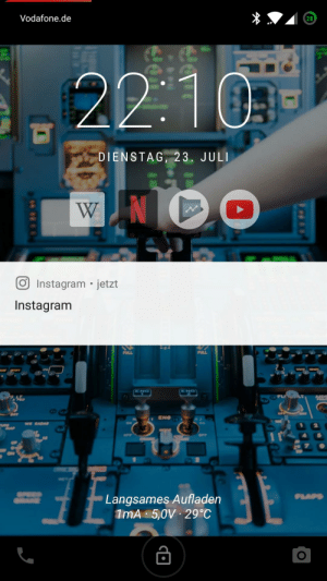 Instagram, Wanted, and Bat: Vodafone.de  28  22 103  DIENSTAG, 23. JULI  WN  Instagram jetzt  Instagram  FULL  FULL  END  END  AID  BAT  ENG  ON  w RADA  OFF  Langsames Aufladen  1MA 5,0V 29°C  PLAPS  CO I just wanted to tell you nothing