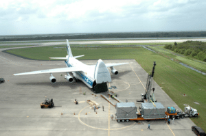 photos-of-space:  An Antonov An-124 unloads componets of kibo, Japan's science module for the International Space Station, at Kennedy Space Center. Space shuttle Endeavour docked with the ISS and delivered Kibo on 17 July 2009.[3008x2000]: vOLGADNEP photos-of-space:  An Antonov An-124 unloads componets of kibo, Japan's science module for the International Space Station, at Kennedy Space Center. Space shuttle Endeavour docked with the ISS and delivered Kibo on 17 July 2009.[3008x2000]
