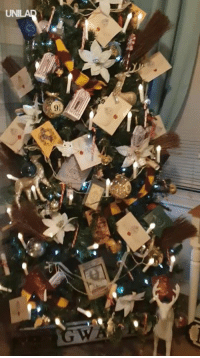 Christmas, Dank, and Harry Potter: We all know a Harry Potter superfan that would adore this Christmas tree 😍⚡️🎄  Sniffr Media