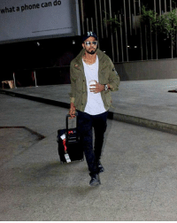 Latest click of Indian all-rounder Hardik Pandya.  Do you want to see him the 2nd test??: what a phone can do Latest click of Indian all-rounder Hardik Pandya.  Do you want to see him the 2nd test??