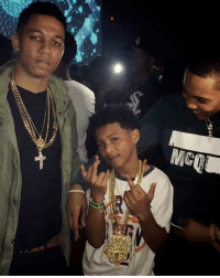 """Ass, Chicago, and Memes: WHERE YO ASS WAS AT WHEN I WAS SLEEPIN ON DA FLOOR 🤷🏾♂️ I FUCKS WITH CHICAGO TUFF! @lilbibby_ SAID IM HIS SON. """"MOM, I NEED ANSWERS!""""🤔🤔 😭 WADDUP @nolimitherbo"""