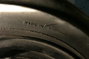 whyyourcarisshit: carmechanicfails: Justrolledintotheshop Is it time to replace my spare tire? mother of god : whyyourcarisshit: carmechanicfails: Justrolledintotheshop Is it time to replace my spare tire? mother of god
