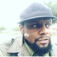 Memes, Wshh, and Home: Wishing singer CarlThomas well as he had to be evacuated from his Houston home on a boat! 🙏 @Carl_Thomas PrayForHouston WSHH