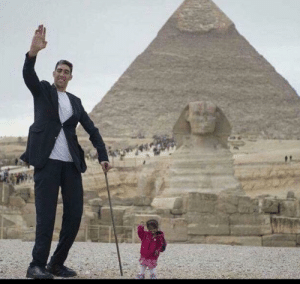 World's Tallest Man And World's Shortest Woman Together: World's Tallest Man And World's Shortest Woman Together
