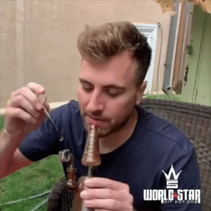 When the dab goes wrong 😩💨😂 (IG: Slayrob) https://t.co/r4IlV9rRGj: WORLE STAR  HIP HOP.COM When the dab goes wrong 😩💨😂 (IG: Slayrob) https://t.co/r4IlV9rRGj