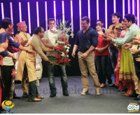 "Sneak peek of the day when #Gokuldhaamites recently met Mr. Salman Khan and Mr. Sohail Khan!  #StayTuned to check out what fun they had together with Team #TMKOC.  #SalmanInTMKOC: wseri"") Sneak peek of the day when #Gokuldhaamites recently met Mr. Salman Khan and Mr. Sohail Khan!  #StayTuned to check out what fun they had together with Team #TMKOC.  #SalmanInTMKOC"