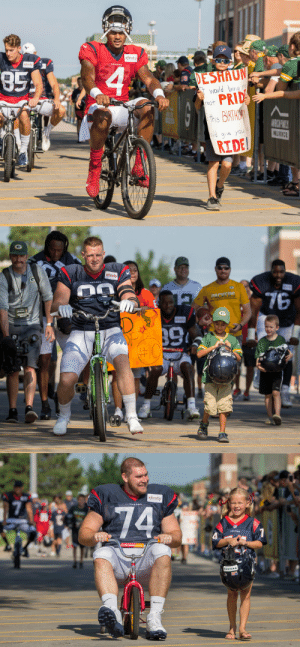 The @packers' bike tradition is amazing, especially when other teams get to be part of it! @HoustonTexans #DreamDrive #NFLTrainingCamp 🚲 https://t.co/wuhGEahYIq: xfinity  xfinity  85  4  TERANS  DESHAUN  Would bring m  PRID  this BIRTHA  reat  AIBICHWILY  INS URANCE  lg ve you  RIDE   xfin  xfinity  76  AACEDD  tety  OFFICIAL  #10   xfinity  74 The @packers' bike tradition is amazing, especially when other teams get to be part of it! @HoustonTexans #DreamDrive #NFLTrainingCamp 🚲 https://t.co/wuhGEahYIq