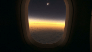 America, Argentina, and Eclipse: Yesterday Chile and Argentina had a privileged view of the Total Solar Eclipse in South America. Nat geo scientists made a flight to match the moment the moon covered the sun in its totality. This was the result.