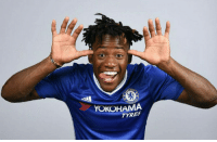 Soccer, Goal, and Super: YOKOHAMA  TYRES 79' Michy Batshuayi comes on  82' Michy Batshuayi scores an own goal  Super sub. ⚽🔵 https://t.co/5BdwN32rWI
