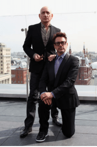 The first day Robert Downey Jr. and Sir Ben Kingsley met on set of IRON MAN 3, they snapped a photo together to send to director and mutual friend Lord Richard Attenborough.  (Andrew Gifford): 杓 The first day Robert Downey Jr. and Sir Ben Kingsley met on set of IRON MAN 3, they snapped a photo together to send to director and mutual friend Lord Richard Attenborough.  (Andrew Gifford)