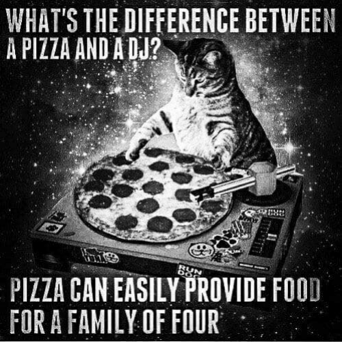 WHAT'S THE DIFFERENCE BETWEEN A PIZZA AND A DU? PIZZA CAN